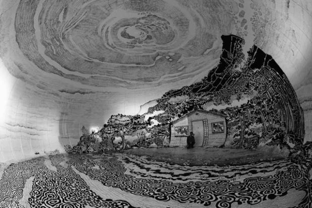 Fresque à 360° par Oscar Oiwa