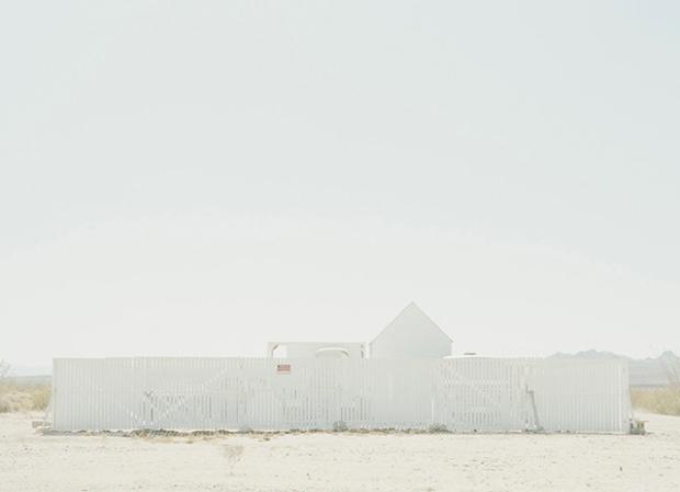 Inspirationsgraphiques-Desert-architecture-Robin-Stein-New-York-photographe-publicite-photojournalisme-lac-Havasu-Colorado-photographie-paysage-02