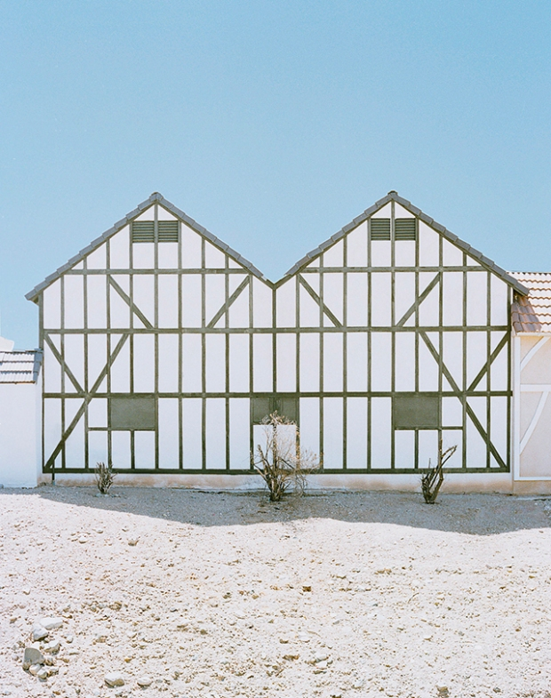 Inspirationsgraphiques-Desert-architecture-Robin-Stein-New-York-photographe-publicite-photojournalisme-lac-Havasu-Colorado-photographie-paysage-05