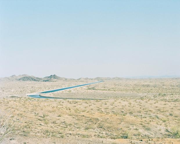 Inspirationsgraphiques-Desert-architecture-Robin-Stein-New-York-photographe-publicite-photojournalisme-lac-Havasu-Colorado-photographie-paysage-06