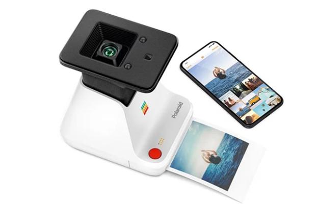 Inspirationsgraphiques-photo-impression-chambre-noire-miniature-photographies-smartphone-telephones-Polaroid-design-innovation-01