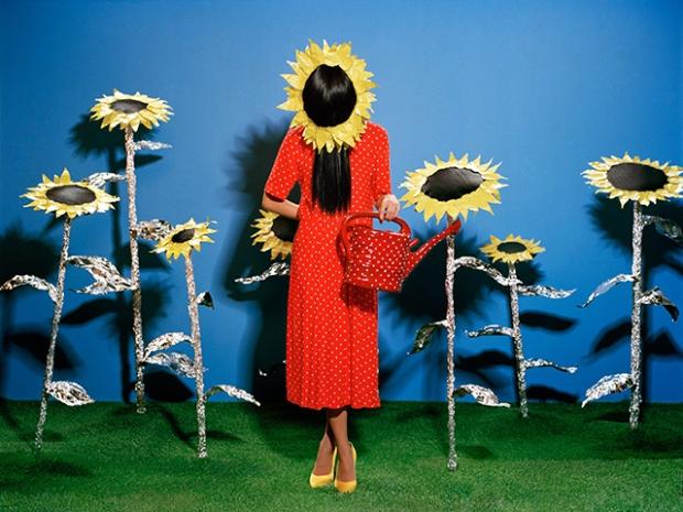 Inspirationsgraphiques-Photo-portraits-Kuzma-Vostrikov-Ajuan-Song-photographie-peintres-classiques-Magritte-Van-Gogh-Picasso-Dali-Kusama-02